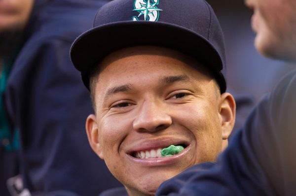 TaiJuan Walker makes his 2014 debut in today's fantasy baseball links.